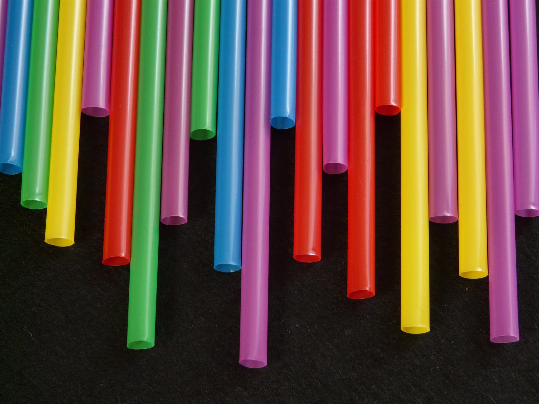 straws-tube-plastic-colorful-65612.jpeg